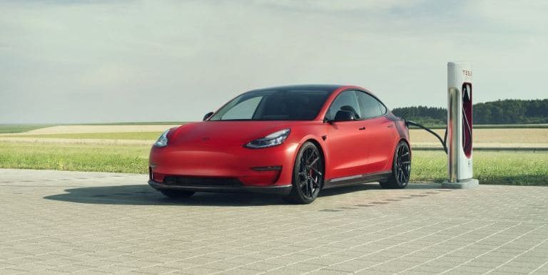 Tesla delivered the first batch of 25 Model S plaid cars